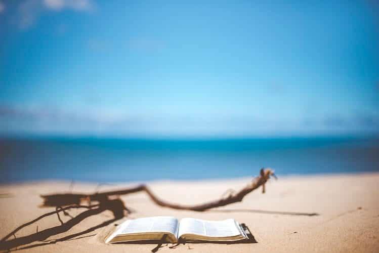 Perché non farti consigliare qualche buona lettura estiva?